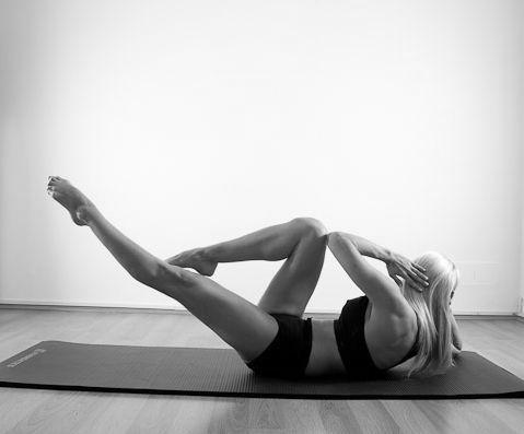 pilates exercitii saltea